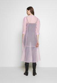 Weekday - VANESSA DRESS - Denní šaty - pink light - 2