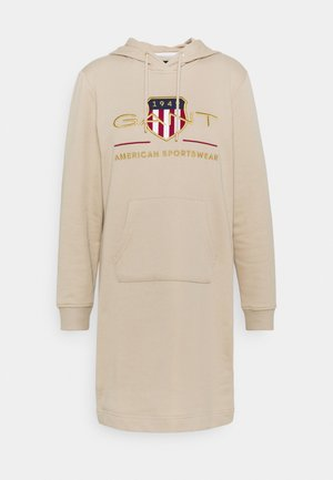 ARCHIVE SHIELD HOODIE DRESS - Kjole - dry sand