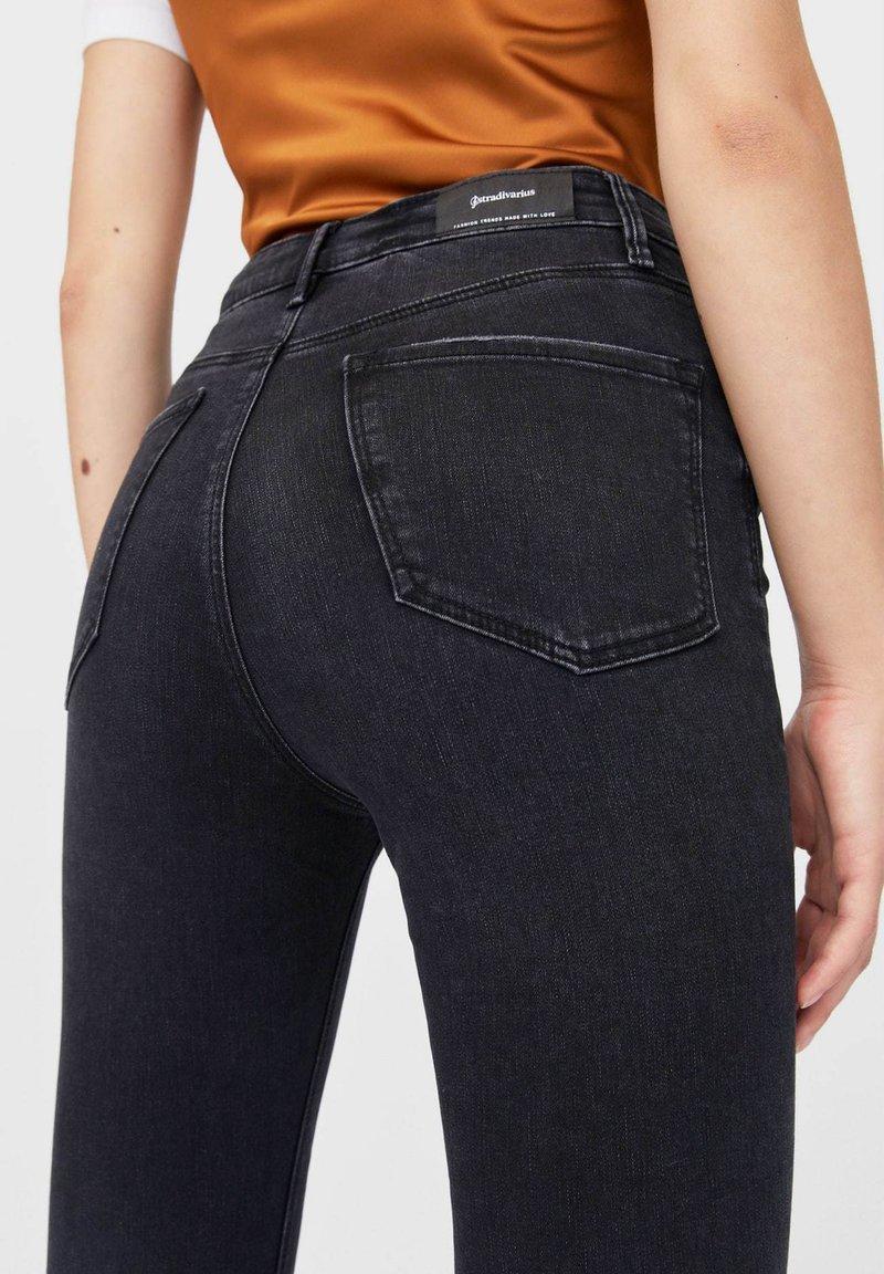 Stradivarius MIT SEHR HOHEM BUND - Jeans Skinny Fit - black/schwarz Z6d6ij