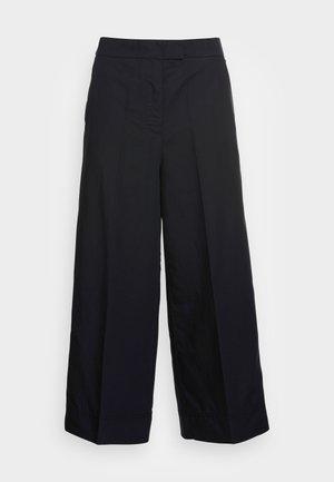 CULOTTES - Pantalones - black