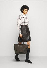 Barbour - WINTER OXER - Button-down blouse - cloud - 1