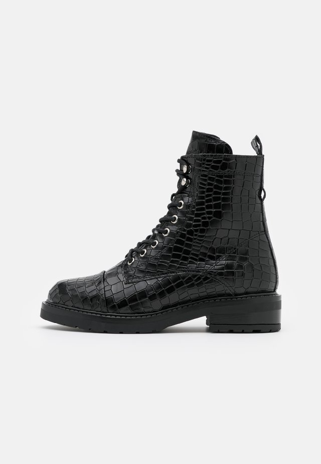 CHARLEY - Veterboots - black