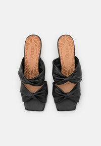 mtng - ANA - Pantofle na podpatku - black - 4