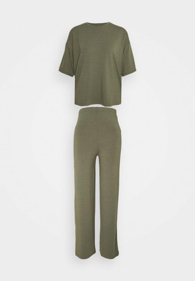 WIDE LEG SET - Pantalon classique - khaki
