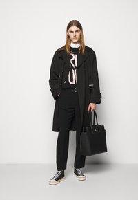 Vivienne Westwood - BEN - Trenchcoat - black - 1