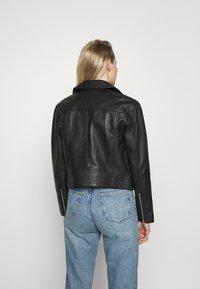 Marc O'Polo - JACKET BIKER STYLE SHORT LENGTH DROPPED SHOULDER - Leather jacket - black - 2