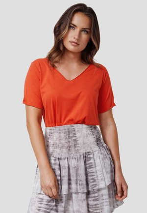 NIVIA - Basic T-shirt - new red