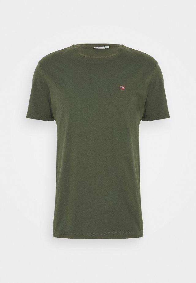 SALIS - T-shirts - green depths