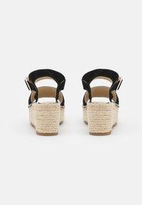 JUTELAUNE - PLATFORM  - Platform sandals - black - 3