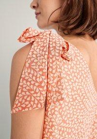 comma - Day dress - make up leaf minimal - 5