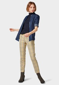 TOM TAILOR - MIA - Trousers - black yellow small check - 1
