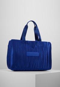 Desigual - DUFFLE BAG PLEATS BLUE - Sports bag - royal - 2