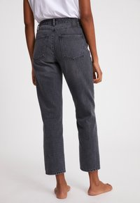ARMEDANGELS - FJELLAA CROPPED - Straight leg jeans - clouded grey - 1