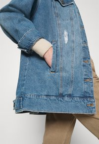 Noisy May - NMFIONA DEST JACKET  - Denim jacket - light blue denim - 3