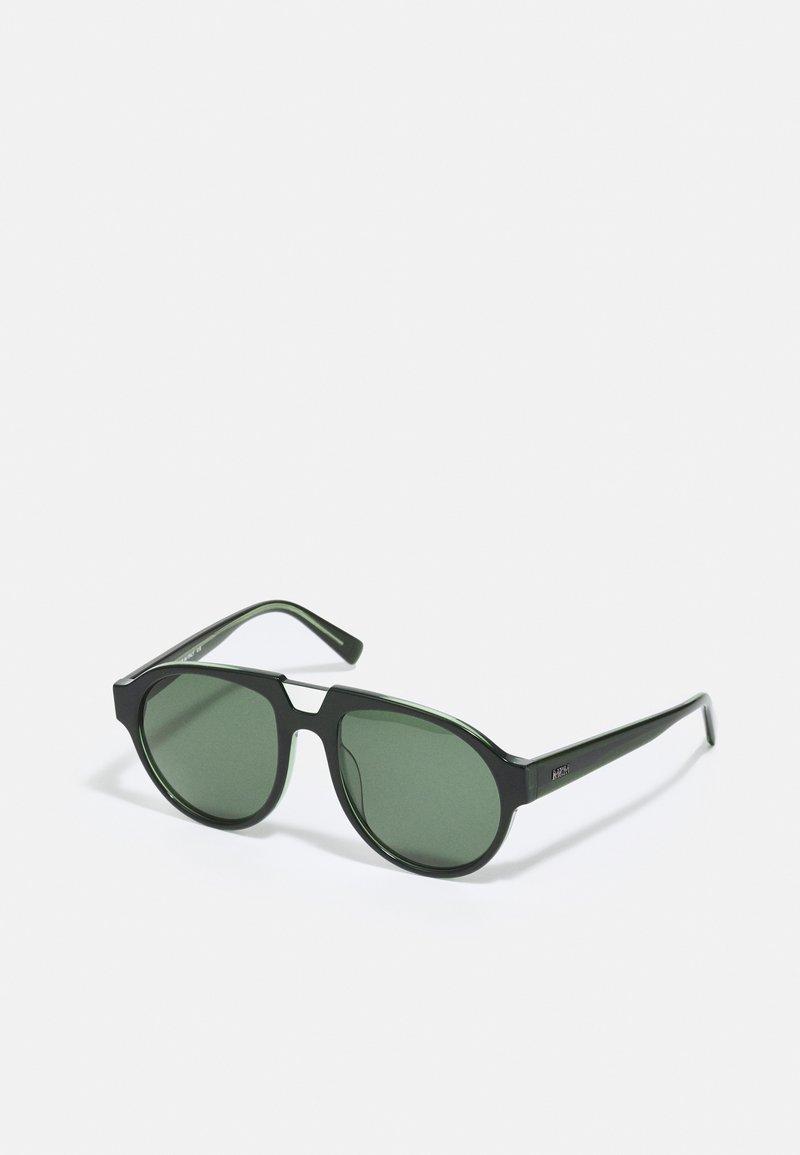 MCM - UNISEX - Sluneční brýle - green