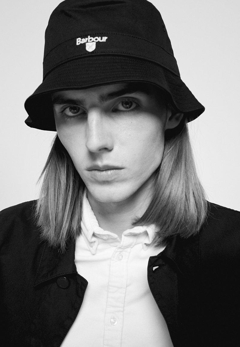 Barbour - CASCADE BUCKET HAT UNISEX - Hat - black