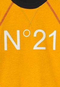 N°21 - Mikina - intense yellow - 3