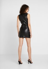Missguided - CONTRAST STITCH MINI DRESS - Shift dress - black - 2