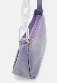 Pieces - PCIZZY SHOULDER BAG - Handbag - purple heather - 3