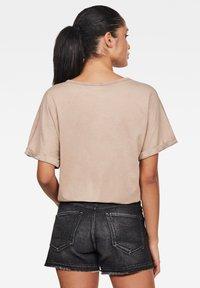 G-Star - JOOSA - Print T-shirt - lt skin gd - 1