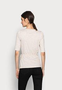 Gap Tall - WRAP - T-shirts med print - oatmeal heather - 2
