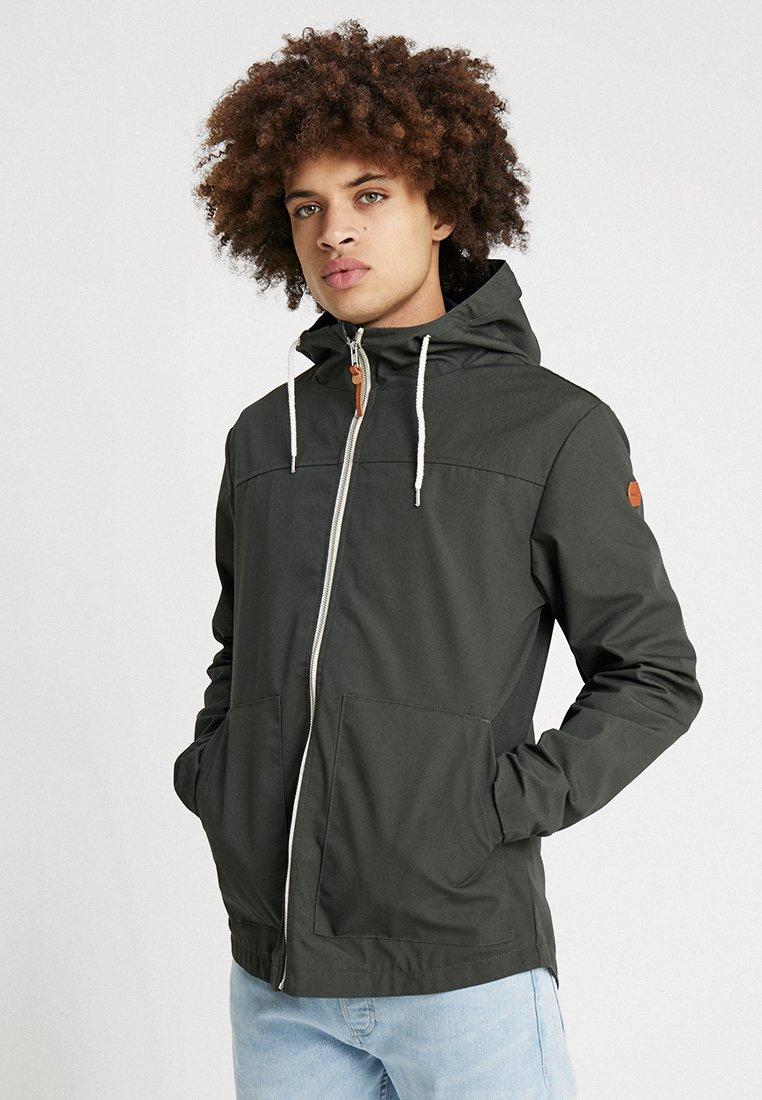 REVOLUTION - HOODED JACKET - Summer jacket - army