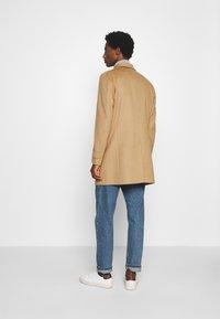 Strellson - NEW - Klasický kabát - camel - 2