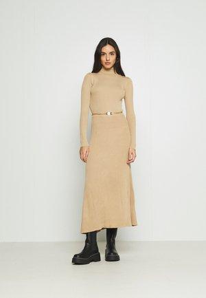 Jumper dress - camel