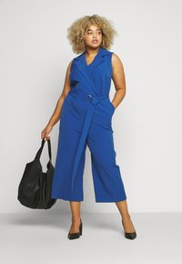 Vince Camuto Plus - BELTED - Overall / Jumpsuit /Buksedragter - blue - 1