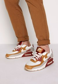 Nike Sportswear - AIR MAX 90 - Sneakers laag - rugged orange/sail/wheat/light brown - 0