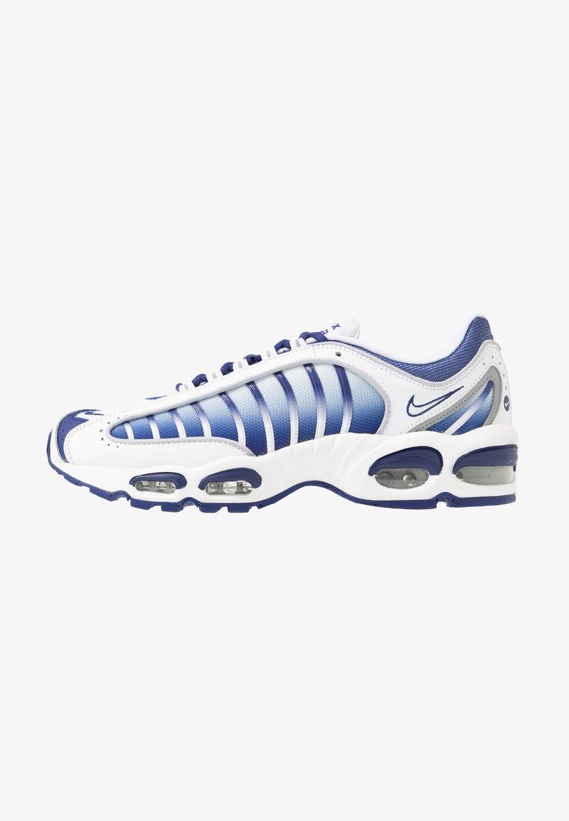 Nike Sportswear - AIR MAX TAILWIND IV - Sneakers - white/deep royal blue/wolf grey