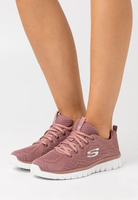 Skechers Sport - GRACEFUL - Trainers - mauve - 0