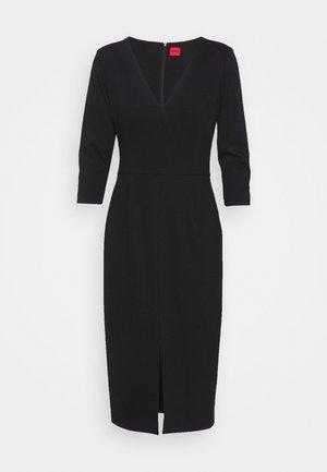 KALAYLA - Vestido de tubo - black