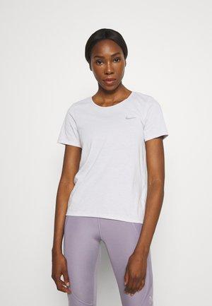 RUN - Basic T-shirt - venice/bright crimson/silver
