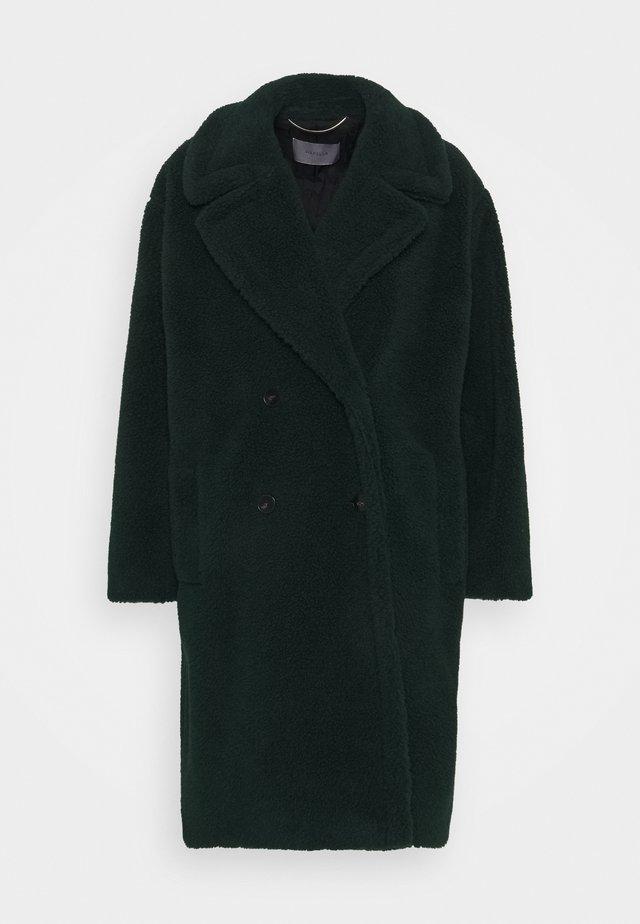 PERAK - Winter coat - verde