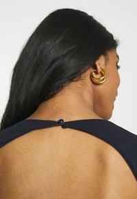 Missguided - OPEN BACK FISHTAIL BRIDESMAID DRESS - Maxi dress - navy - 5