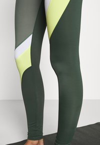 Hunkemöller - Leggings - agave green - 4