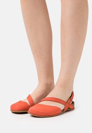 PANGLAO - Slingback ballet pumps - coral