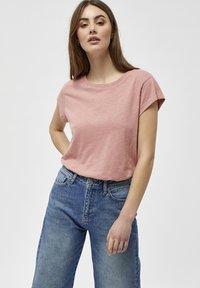 Minus - LETI - Basic T-shirt - old rose melange - 0