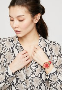 Versus Versace - MOUFFETARD - Watch - red - 0