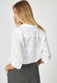 Soyaconcept - SC LANI - Button-down blouse - offwhite - 1