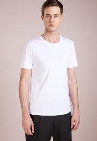 Tiger of Sweden - LEGACY - Basic T-shirt - bright white - 0