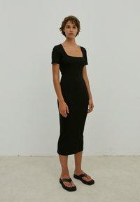 EDITED - INGRID - Jersey dress - schwarz - 1