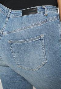 Vero Moda Curve - VMLORA - Jeans Skinny Fit - light blue denim - 5