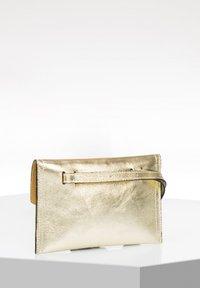 RISA - Bum bag - gold - 2
