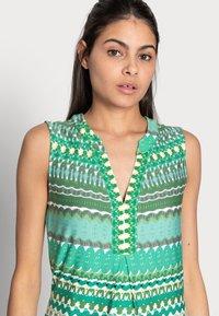 Esqualo - DRESS GREEN GARDEN - Jerseykjoler - print - 4