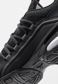 Puma - AXELION BLOCK - Sports shoes - black/white - 5