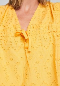 s.Oliver - ANGLAISE - Blouse - yellow - 4