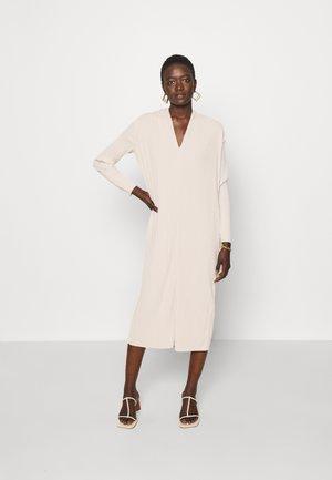 TUBO - Žerzejové šaty - white