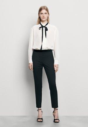 VOYOU - Pantalon classique - noir